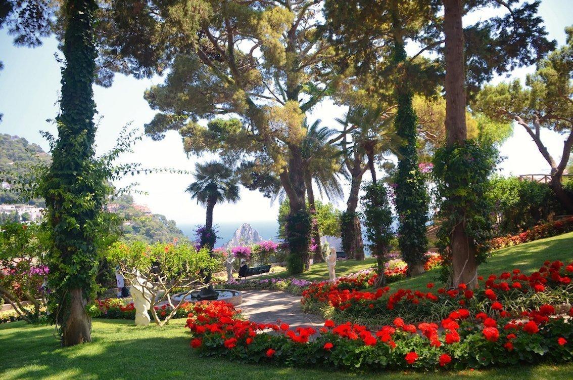 Sorrento coast capri and anacapri boat tour from sorrento for Garden giardini